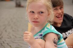 Tijdens de feesten krijgen kindjes sneller een ijsje...