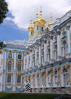 palace-castle-architecture-rococo-towers-gilded-pushkin-russia-history